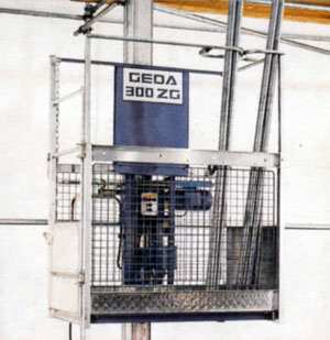 Montacarichi per allestimento ponteggi GEDA 300 ZG